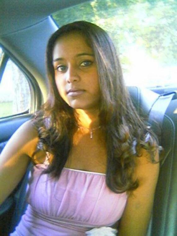 Attractive Indian Babe Lakshya  Girlsindiancom-8363